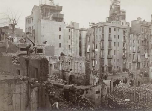 Aspecto del proceso de derribo de las fincas que han de dejar paso a la Sección Primera de la Gran vía A de La Reforma. Fuente: Archivo Alex Reyes.